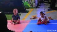 Tangis dan Wajah Kebingungan Para Bayi Saat Lomba Merangkak