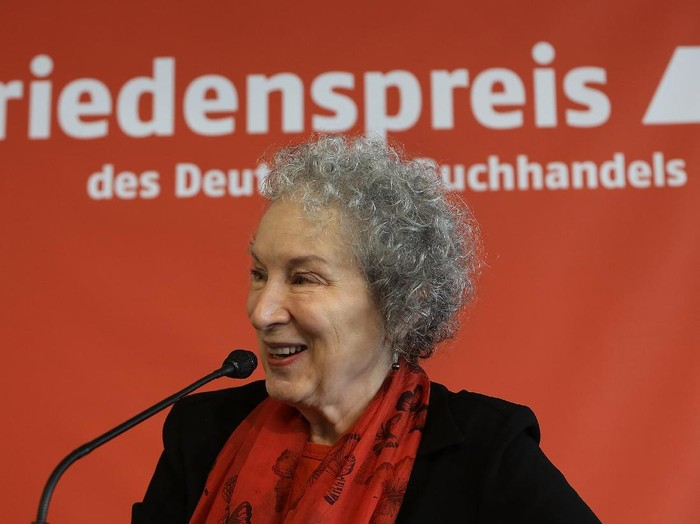 FRANKFURT AM MAIN, GERMANY - OCTOBER 14:  Canadian author Margaret Atwood attends the Peace prize of the german Book Trade pressconference during the Franfurter Book fair 2017 (Frankfurter Buchmesse) on October 14, 2017 in Frankfurt am Main, Germany. The 2017 fair, which is among the worlds largest book fairs, will be open to the public from October 11-15.  (Photo by Hannelore Foerster/Getty Images)