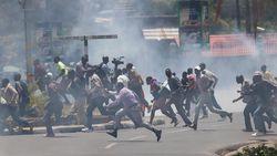 Pengunjuk Rasa di Kenya Bakar Kantor Polisi