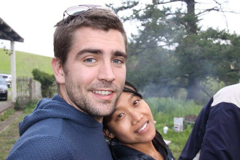 Inilah Chris Cox bersama wanita asal Thailand yang sekarang istrinya, Visra Vichit-Vadakan. Foto: istimewa