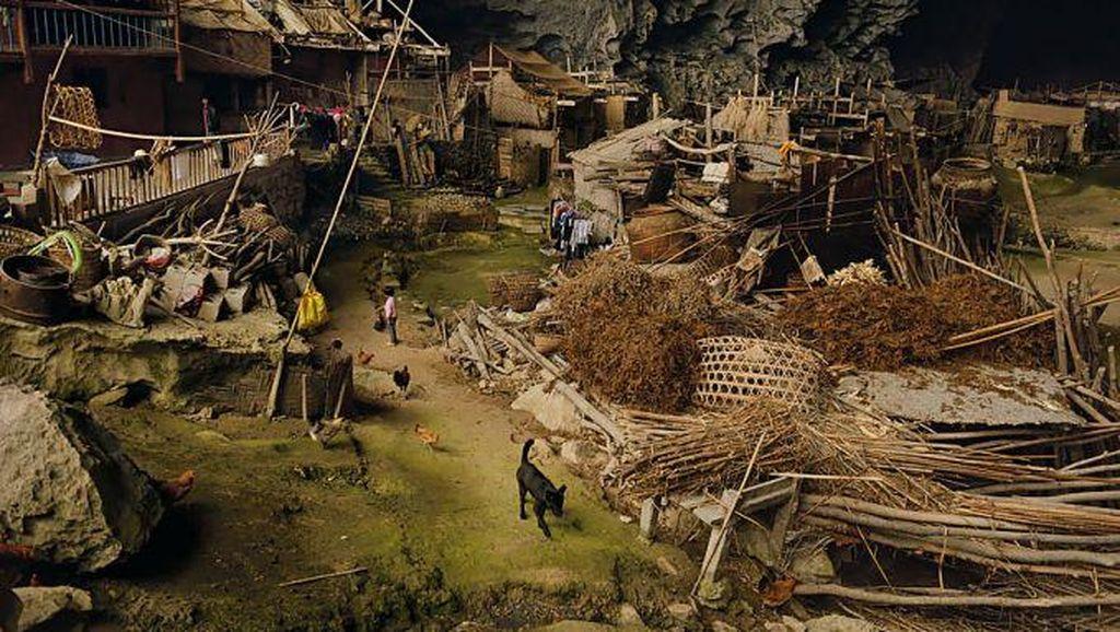 Unik, Ada Desa Dalam Gua di Zhongdong China