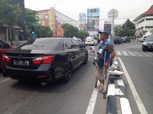 Ini Curhat Penjual Koran di Surabaya Soal Lilitan Utang Rentenir