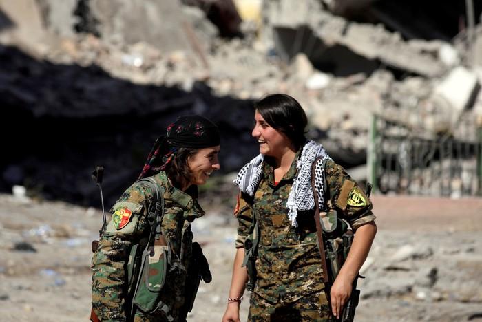 Foto ilustrasi: personel SDF Kurdi, SDF d Suriah utara kini menjadi sasaran agresi Turki.  (REUTERS/Rodi Said)