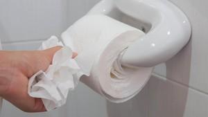 Susah BAB Saat Menstruasi? Mungkin Ini Penyebabnya