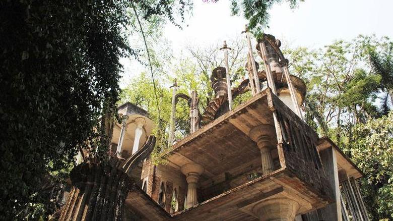 Taman bermain Las Pozas di tengah hutan Meksiko (Matthew ONeil/CNN Style)