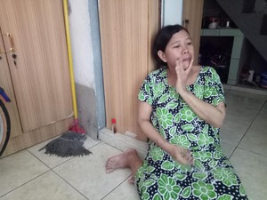 Istri Penjual Koran di Surabaya Sempat Larang Suami Bikin Curhat