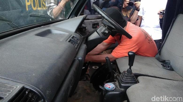 Komplotan Pencuri Ini Cuma Butuh 5 Menit Bawa Kabur Mobil
