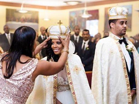 Bak Kisah Dongeng, Wanita Ini Tak Tahu Pria yang Dinikahinya Pangeran