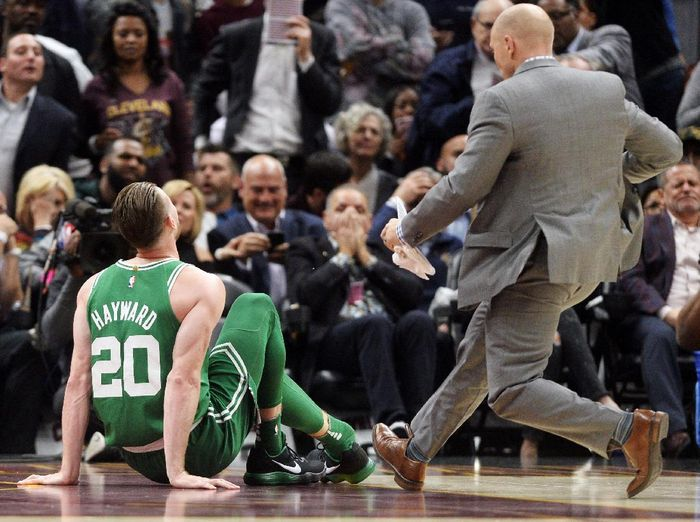 Pemain Boston Celtics Gordon Hayward mengalami cedera parah (Ken Blaze-USA TODAY Sports)