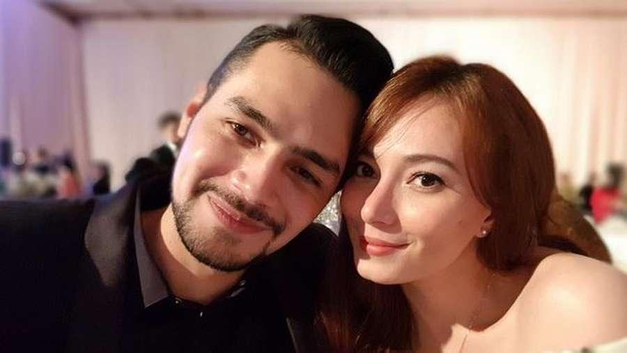 Kemesraan Asmirandah-Jonas Rivanno Bikin Iri!