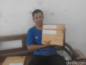 Tak Ada Lokasi Baru, PKL Mastrip Blitar Kirim Surat ke Jokowi