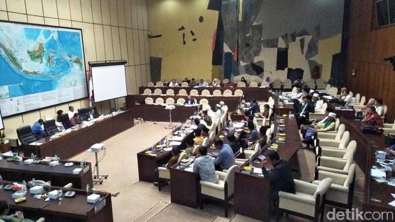 Komisi II Kritik Ketidakhadiran Panglima TNI, Kapolri dan Jaksa Agung