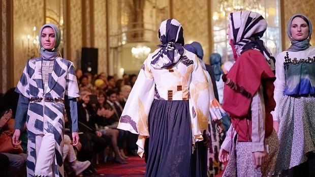 Curhat Dian Pelangi Alami Diskriminasi di Paris karena Hijab