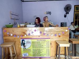 Mampir ke Kedai Bakmi Janda di Surabaya yang Viral