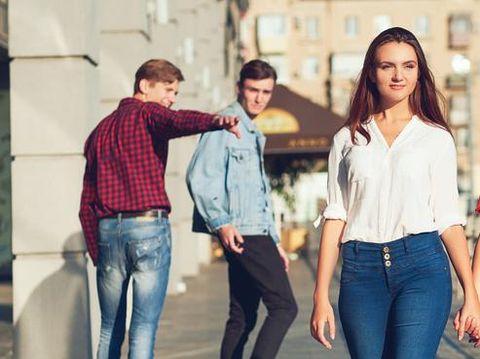 5 Alasan Wanita Terlihat Lebih Menarik Sesudah Jadi Mantan Kekasih
