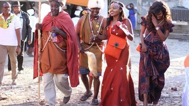 Sepasang pengantin Kenya (Dok. Antony Trivet/Pinterest)