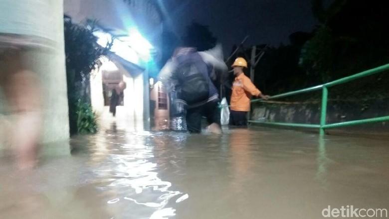 Jl Kemang Timur XI Sempat Banjir 70 Cm, Kini Mulai Surut