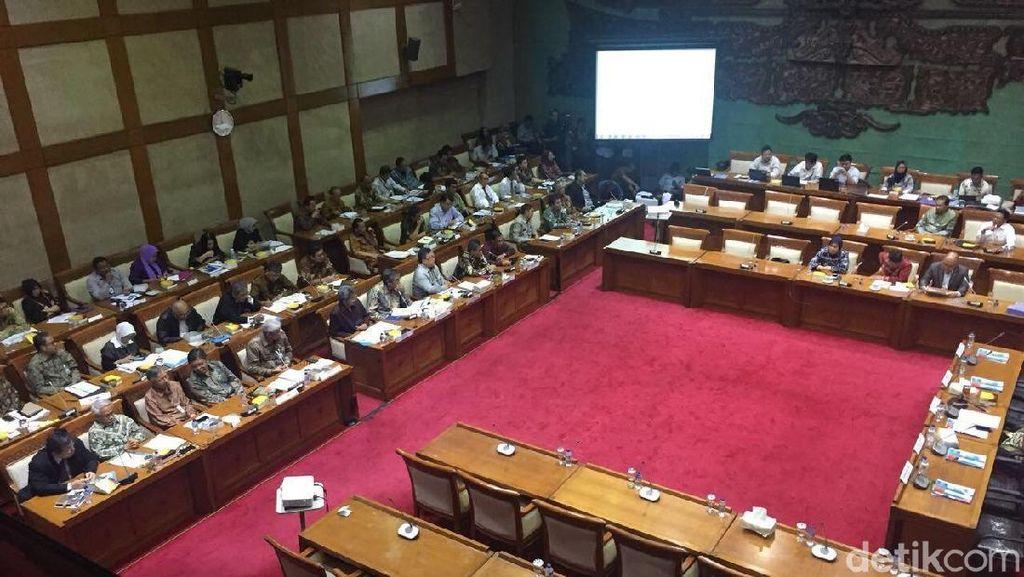 Pemerintah dan DPR 2,5 Jam Rapat Soal Tenaga Honorer, Apa Hasilnya?