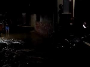 Banjir karena Tanggul Karung Jebol di Jatipadang Mulai Surut