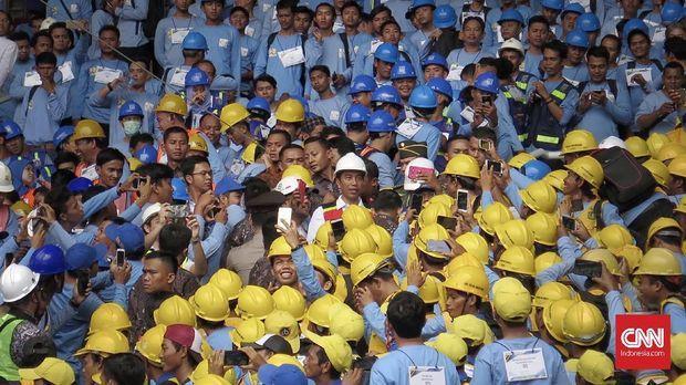 Tenaga Kerja Kunci Jokowi Kerek Pertumbuhan Ekonomi