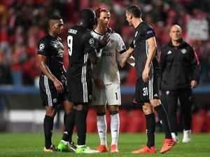 Bikin Blunder di Laga Debut Liga Champions, Kiper Muda Benfica Dihibur Pemain MU