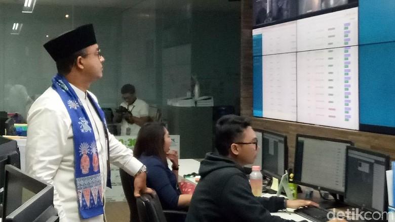 Jakarta Hujan Deras, Anies Pantau Banjir Lewat Jakarta Smart City