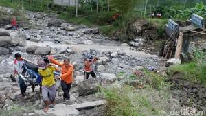 Jembatan Putus, 6 Ibu Hamil harus Mengungsi Saat Hujan