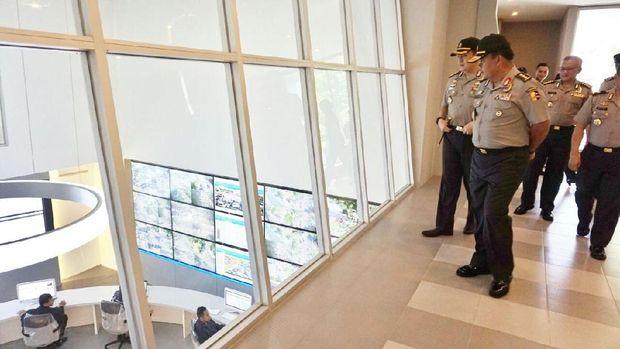 Irwasum mengapresiasi dan memuji Command Center Polrestabes Surabaya
