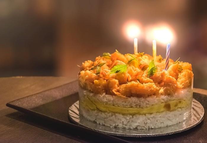 Bosan Kue Ulang Tahun Biasa Cobain Salted Egg Cake Yang