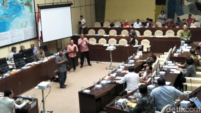 Pembacaan Sikap Fraksi di Komisi II soal Perppu Ormas Ditunda