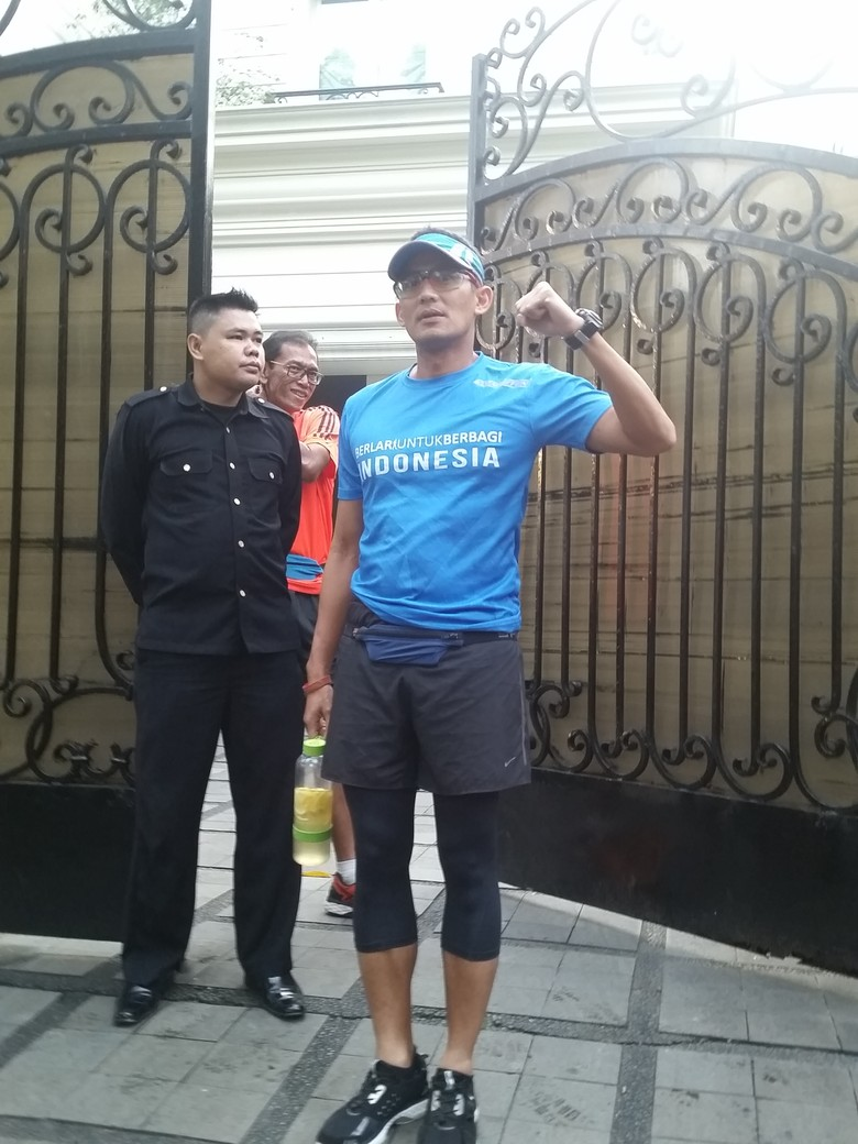 Foto: Wagub Sandiaga Tepati Janji Lari Pagi ke Balai Kota