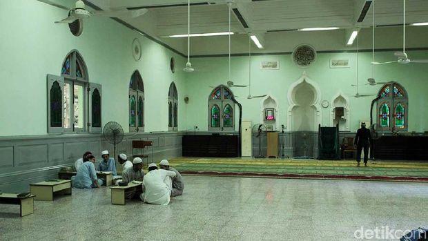 Suasana masjid tertua di Hong Kong (Randy/detikTravel)
