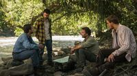 Jungle bercerita tentang kelompok yang berjuang di tengah hutan hujan Amazon untuk bertahan hidup.