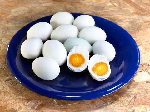 Cara Membuat Telur Asin dengan Cepat, Ini Kiatnya