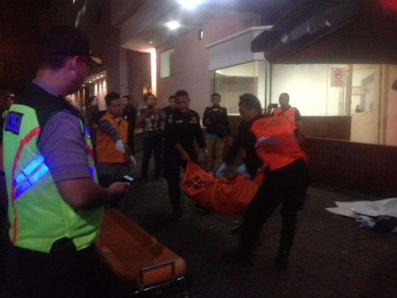 Ini Ciri Pria yang Jatuh dari Lantai 5 Tunjungan Plaza 1 Surabaya