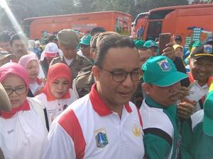 Anies-Sandi Tiba di Puncak, PNS DKI Jakarta Berebut Selfie