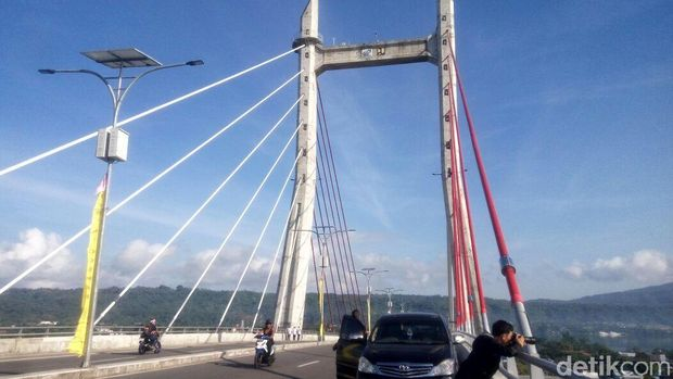 Ada mirip dengan Jembatan Golden Gate di Amerika (Syanti/detikTravel)