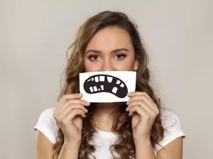 Cari Tahu Kemungkinan Penyebabnya Gigi Goyang