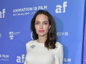 Angelina Jolie akan Menikah Lagi?