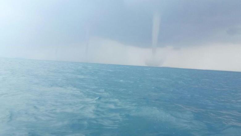 Foto: Ini Tornado Waterspout di Kepulauan Seribu yang Bikin Kaget