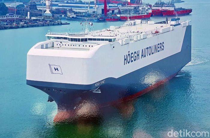 Ini adalah kapal PCTC/Roro Raksasa yang di buat oleh Xiamen Shipbuilding Indusries, BUMN China di perkapalan yang sudah ada sejak tahun 1858.