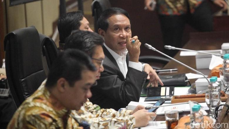 Ketua Komisi II DPR Sambut Baik MK Tolak Ambang Batas Capres