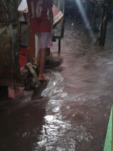 Arus air di Jatipadang