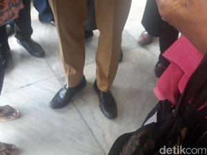 Ini Sepatu Pantofel Nyaman yang Akhirnya Ditemukan Sandiaga