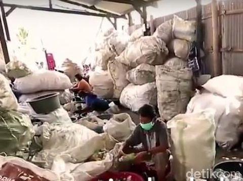 Klinik Asuransi Sampah yang didirikan dr Gamal/