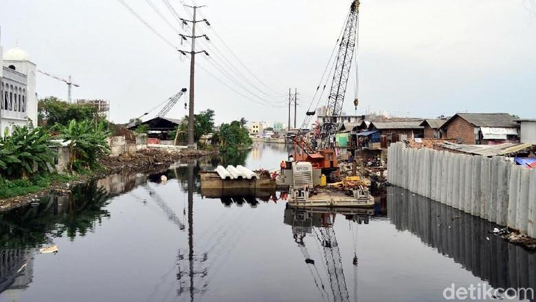Normalisasi Kali Pesing, Sejumlah Bangunan Dibongkar