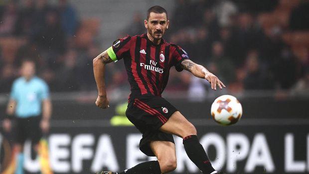 Leonardo Bonucci bahkan lebih rela harga dirinya jatuh demi kembali ke Juventus dibandingkan bertahan di Milan.