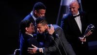 Cristiano Ronaldo Kirim Ucapan Ultah yang Nyeleneh ke Maradona