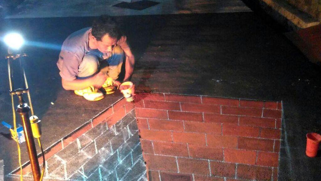 Foto: Proses Pembuatan Lukisan di Kampung 3D Depok