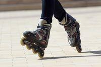 Main Sepatu Roda di Rooftop Tertinggi Paris, Berani?